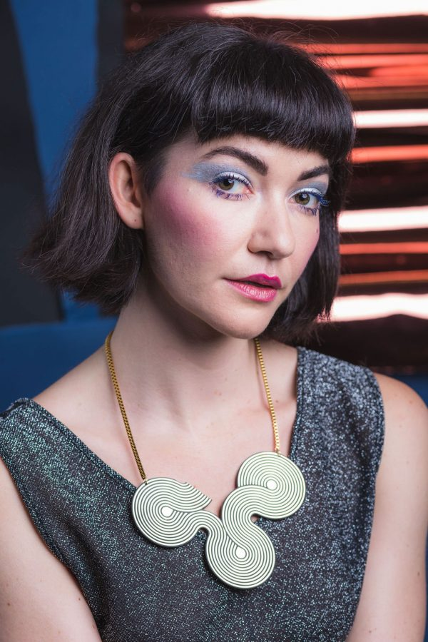 DECO FLEX Disco Curve Necklace